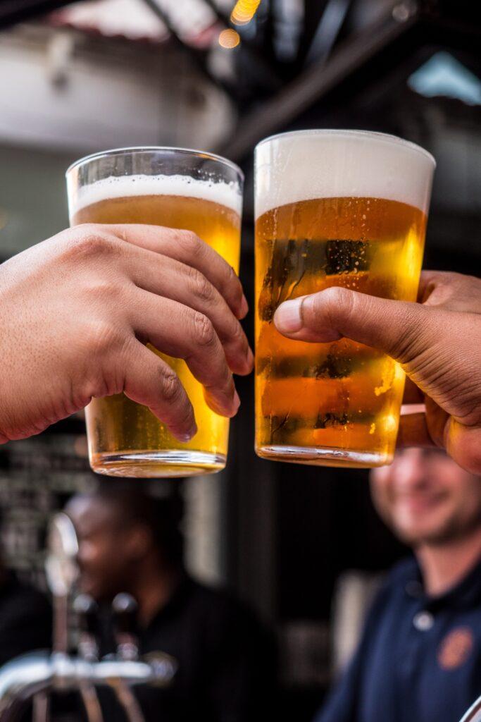 Bars in Lyon, Learn English in Lyon, Practice English in Lyon